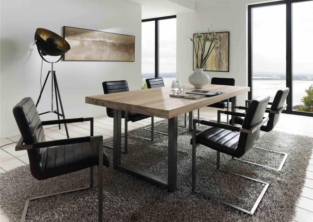 Esstisch CITY - massiver Holztisch aus Wildeiche und Stahl im Industrial-Chic. Detailaufnahme.