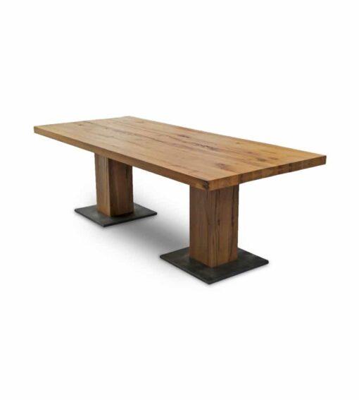 Esstisch KUBO - Holztisch aus massiver Wildeiche, geölt