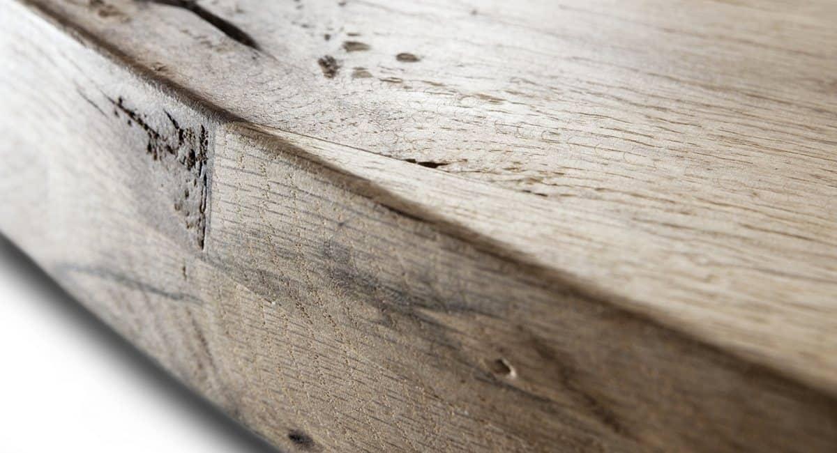 Detailaufnahme der Tischplatte vom Esstisch DISCUS - runder Holztisch aus massiver Wildeiche