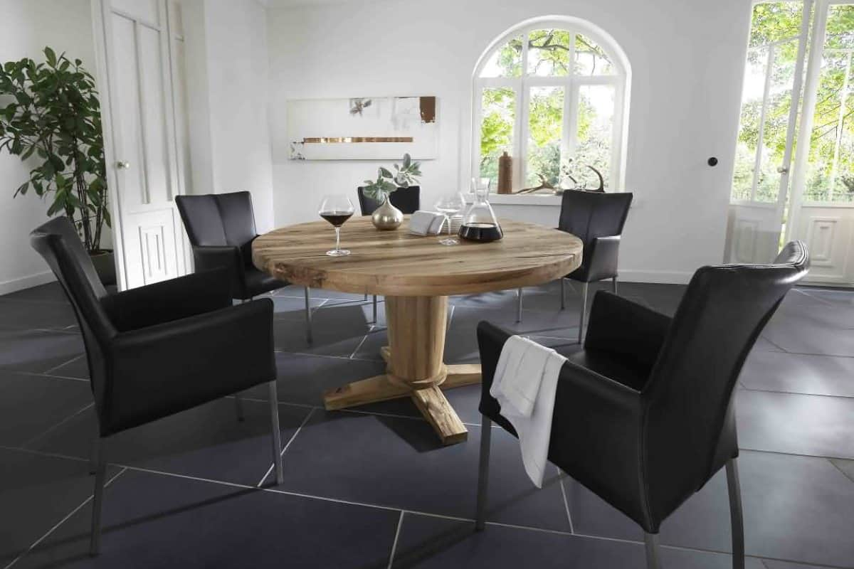 Esstisch DISCUS - runder Holztisch aus massiver Wildeiche: Deatail Aufnahme