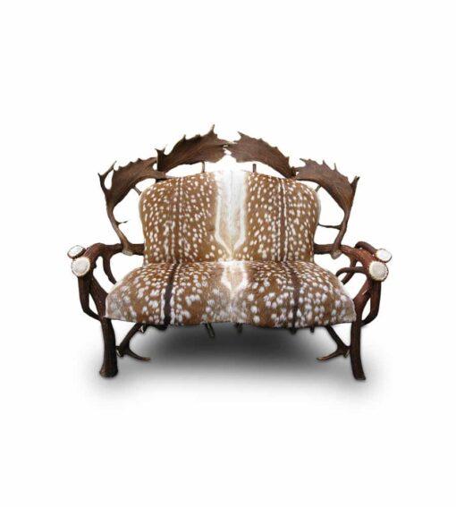 Sofa SUSCH aus Hirschgeweih und Echtfell vom Damwild