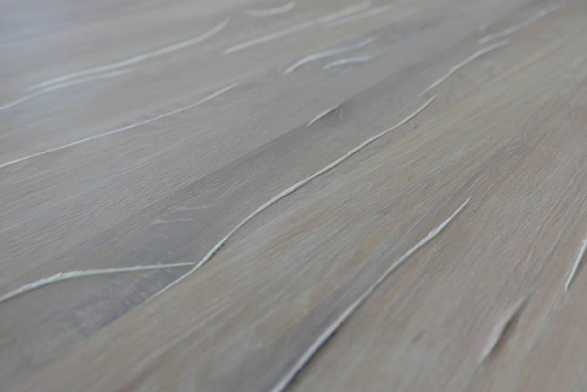 Tisch XAVIER, runder Esstisch aus Holz und Stahl Detail Tischplatte rustikal