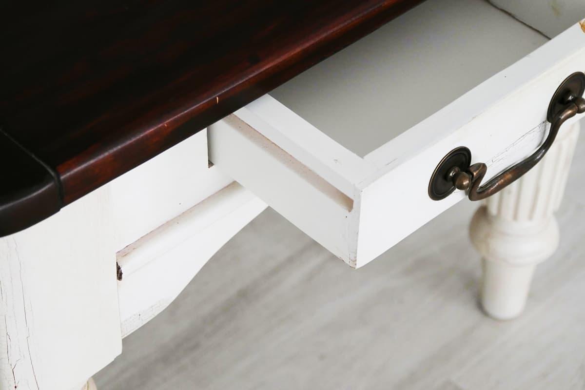 Shabby Chic Couchtisch MADELEINE - Detail Tischplatte und Schublade