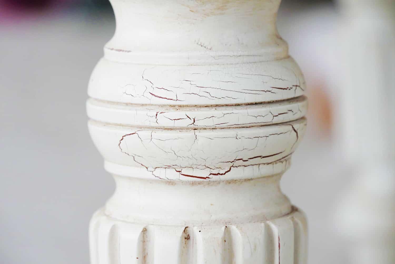 Shabby Chic Couchtisch MADELEINE - Detail Tischbein gedrechselt