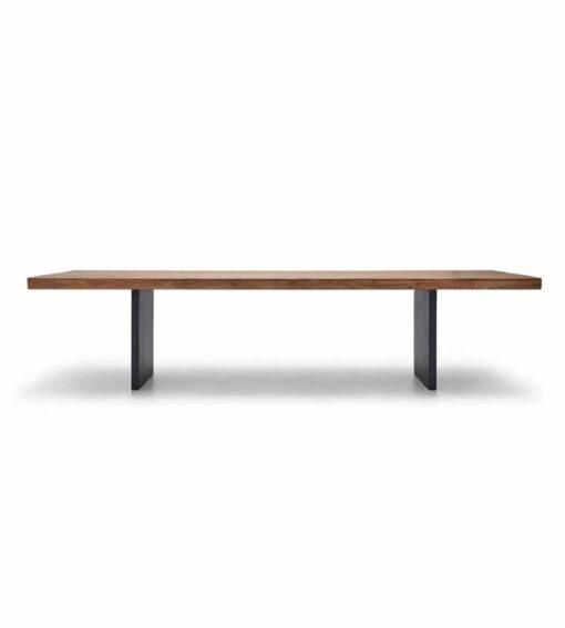 Esstisch Emmental - massiver Holztisch aus Nusbaum, Wildeiche oder Ulme - hier abgebildet in Nussbaum