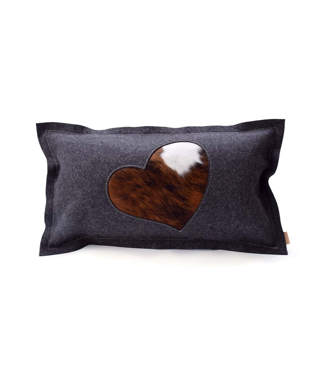 kissen herzerl. Black Bedroom Furniture Sets. Home Design Ideas