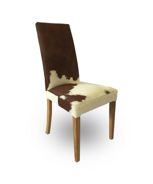 Stuhl Portland, Sitzbezug aus echtem Kuhfell, Füsse aus eiche Natur geölt